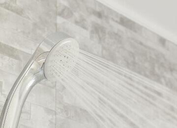 こまめにシャワーを浴びる / 汗を拭く