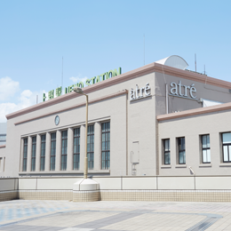JR渋谷駅・南改札を出て、改札を背に右手方面へ進みます。