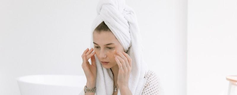 テオシアルは皮膚の動きに合わせて滑らかに変形する